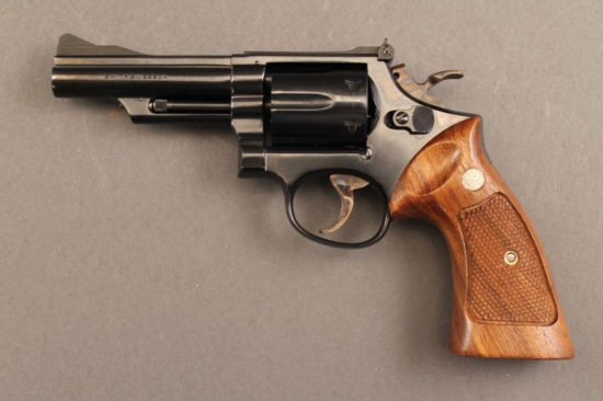 handgun SMITH & WESSON MODEL 19-3, 357CAL REVOLVER, S#K944671,