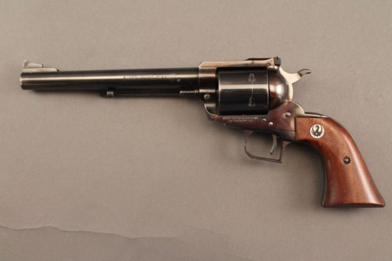 handgun RUGER SUPER BLACKHAWK, 44MAG CAL REVOLVER,