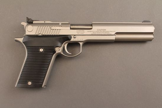 handgun AMT AUTOMAG III, 30 CARBINE SEMI-AUTO PISTOL