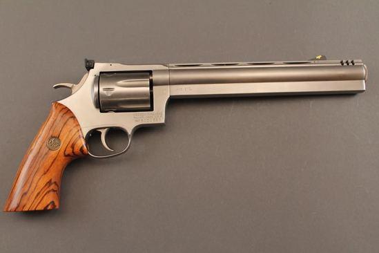 handgun DAN WESSON 445 SUPERMAG, 445CAL REVOLVER