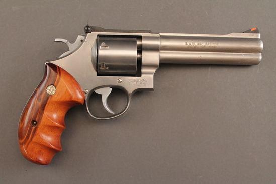 handgun SMITH & WESSON MODEL 627, .357CAL REVOLVER
