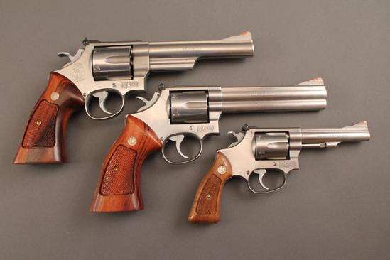 handgun SET OF 3 SMITH & WESSON DOUBLE ACTION REVOLVERS IN STAINLESS STEEL