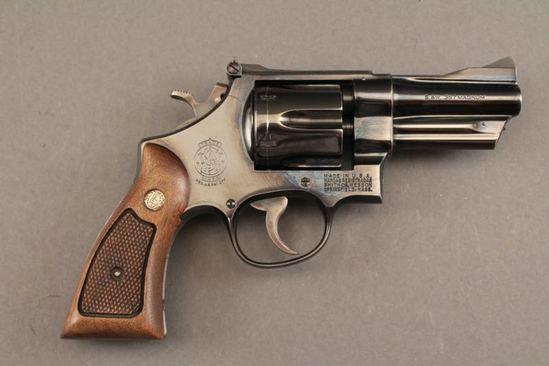 handgun SMITH & WESSON MODEL 27-2, 357CAL REVOLVER