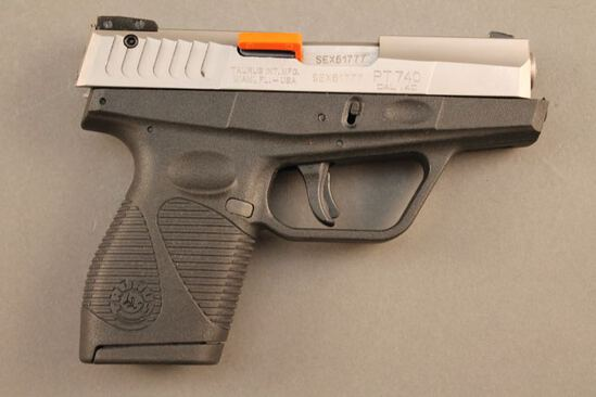handgun TAURUS PT740, 40CAL SEMI-AUTO PISTOL, S#SEX61777