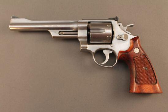 handgun SMITH & WESSON MODEL 624, 44 SPL DA REVOLVER, S#AHB1859