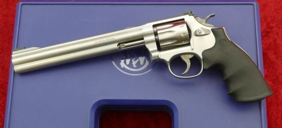 Smith & Wesson Model 617-4 22 cal. Revolver