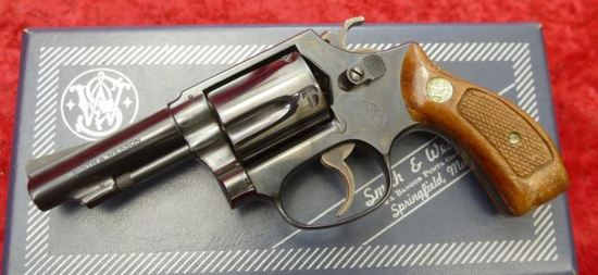 Smith & Wesson Model 36 Chiefs Spec w/Box