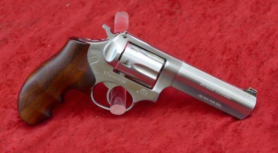 Ruger SP101 32 H&R Mag Revolver