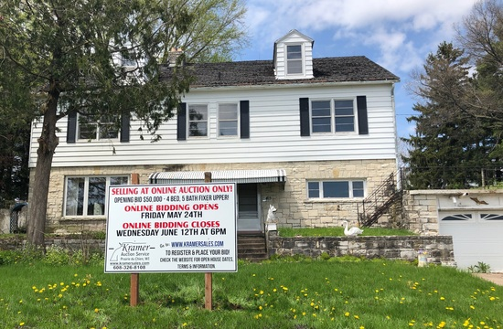 4 Bedroom Country Home@ Auction!