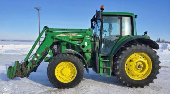 John Deere 7520 MFWD Tractor