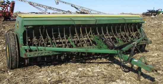 John Deere 8300 13 ft Grain Drill