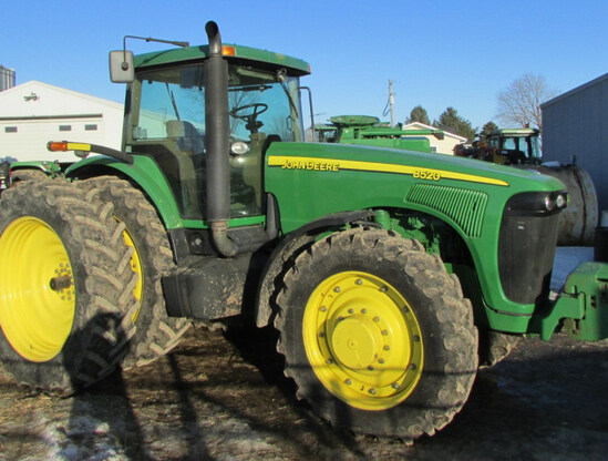 JD 8520 MFWD Tractor