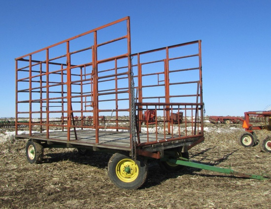 Square bale rack on JD 1065A wagon gear