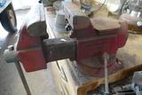 Columbian D45-M4 Swivel Bench Vice