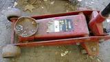 2 3/4 Ton Hydraulic Floor Jack