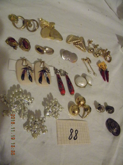 Jewelry = 16 Pair, Clasp Ear Rings.
