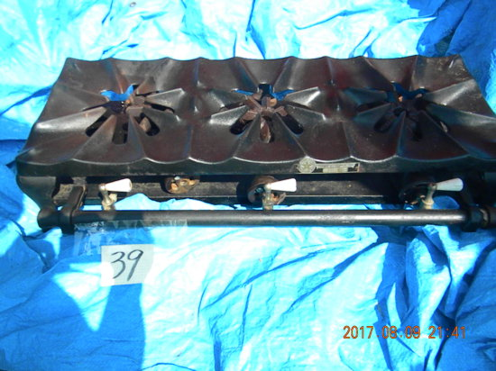 """Gas Grill, Cast Iron Base, Table Top, 3 Burner, Lp Gas, 32x16x7""""."""
