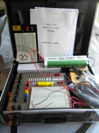 234 Analog Digital Trainer W/case And Instructions.