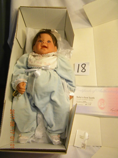 Lee Middleton Original Doll: Artist Studio Collection: Baby's First Tooth,
