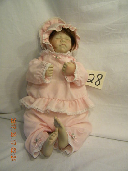 Lee Middleton Original Doll: First Moment, 020783-v. 1983, 17,377, No Box O