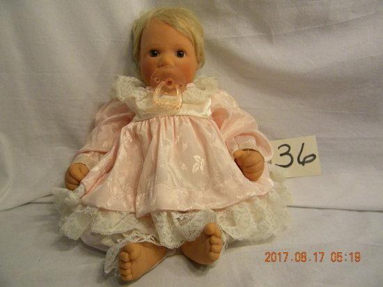 "Lee Middleton Original Doll: ""thumbsucker"", 1996, 081595"