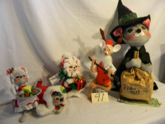 Lot=large Mouse Witch; Large Mouse; Buck Deer; Three Christmas Mice.