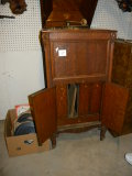 Antique= Columbia Graphonia, 320 Epm, Wind-up Record Player Cabinet; Box Of