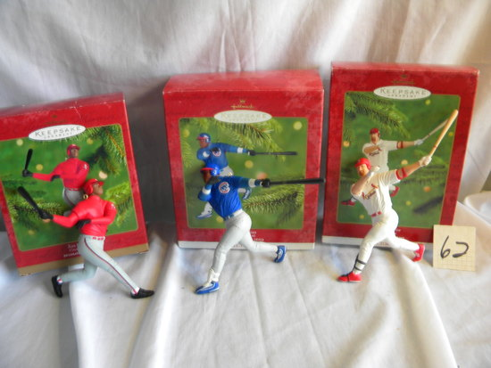 "Keepsake Ball Park Series Holiday Ornaments= ""Ken Griffey Jr.""; Sammy Sosa"""