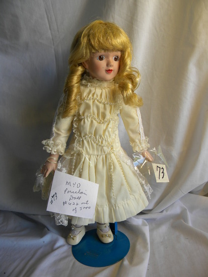 MYD Porcelain Doll,622 out of 5000, Fixed Eye, 16'H