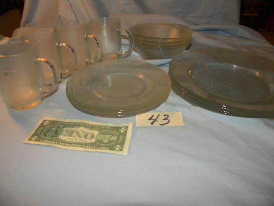"""Coca-cola= (4) Bowls 6""""d; (4) Salad Plates. 8""""d; (4) Dinner Plates, 10""""; (4"""