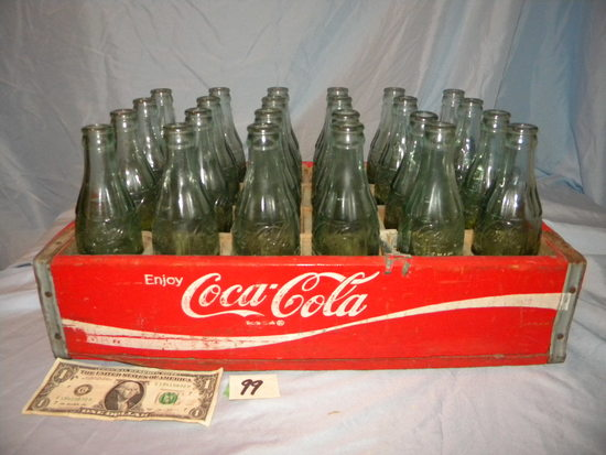 Coca Cola= wooden coca cola Crate W/city Bottles-wisc. Dells; Oshkosh, Colorado Springs, Ph
