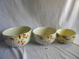 Halls Superior Kitchenware= Nesting Bowls, 5