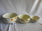 Halls Superior Kitchenware= Nesting Bowls, 4