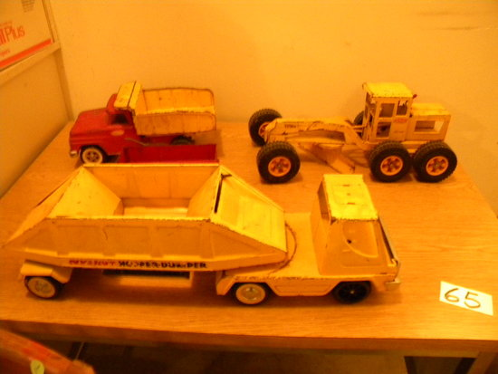 Tonka Road Grader; Nylink Hopper Dump Truck; Tonka Dump Truck; Internationa