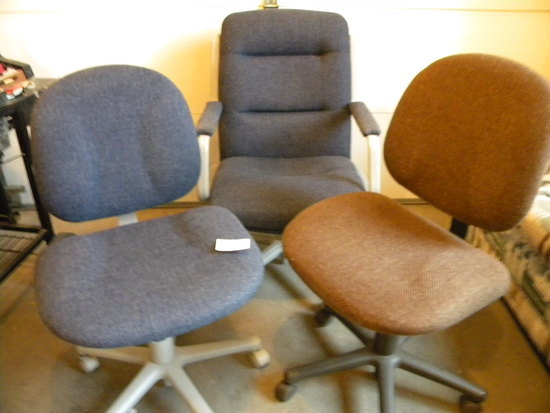 Large Adjustable Chairs; 2 Small Office Chairs.
