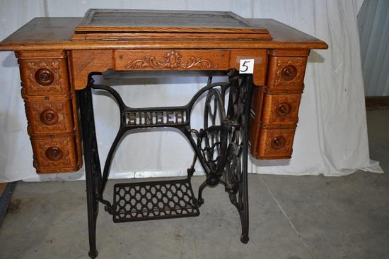 Singer Sewinging Machine, Oak Cabinet, W/accessories. Nice