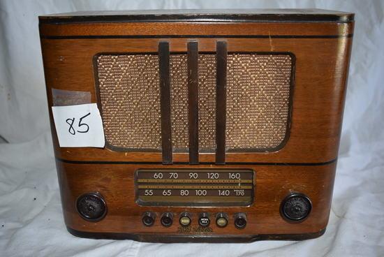 "Rca Victor Radio, Model 348, 9 1/2"" X 12""."