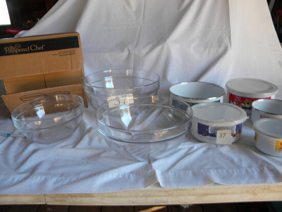 """Pampered Chef  Bowls, 8"""", 9"""", 10"""" (new): 5 metal Food Savers."""