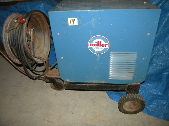 Miller Eco No Twin Arc Welder, Ac-dc, 30-150 Amp.