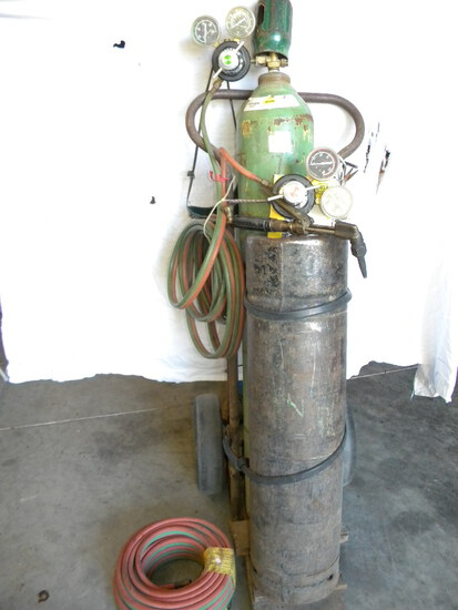 Two Tanks, Carts, Regulators, Tools, Extra Nozzle's, 25 Ft Additional Co-2