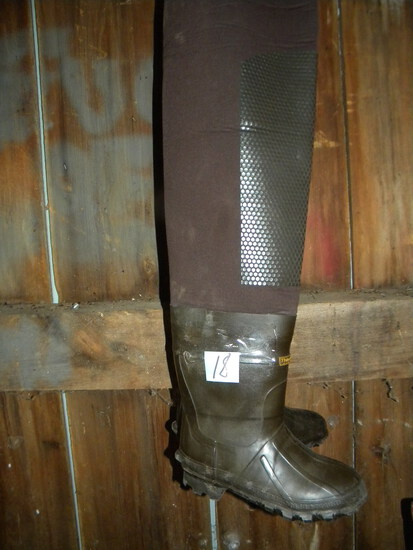 Wading Boots, Insulation Shoulder Steel Toe Waders, Size 6.