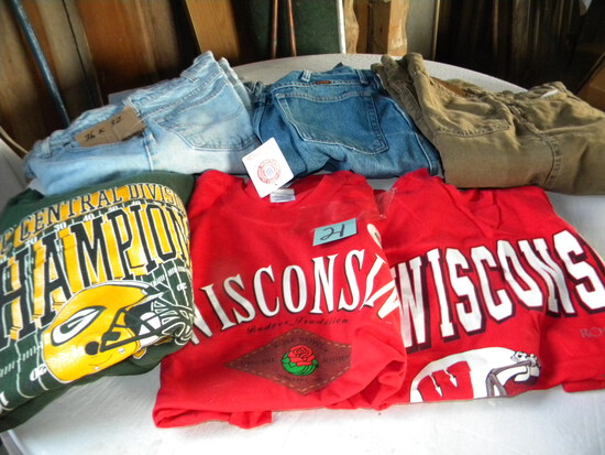 Pair Of Wisconsin T-shirts, Short Sleeve, Large & X Large; Green Bay Packer