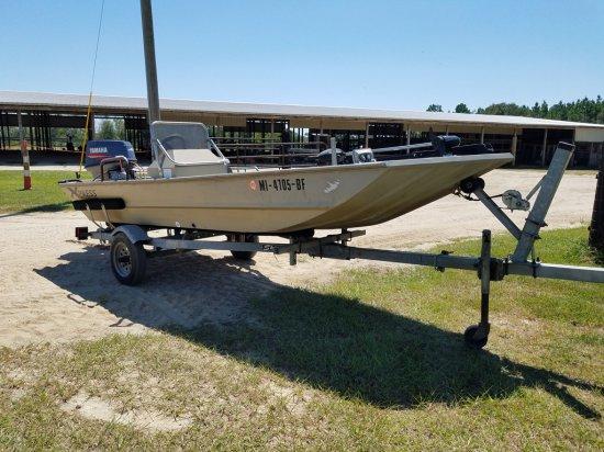 2001-15FT Aluminum Boat W/ Magic Tilt Trailer