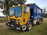 2001 Mack MR688S Garbage Truck *RUNS*