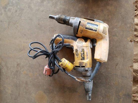 (2) Dewalt Dry Wall Screwdrivers WORKS