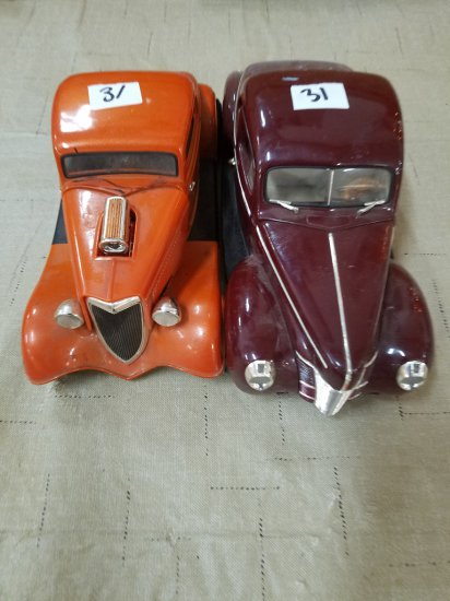 1933 Ford Coupe & 1940 Ford Coupe Model Cars