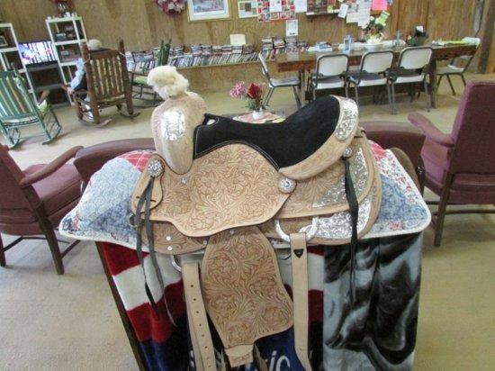 """15"""" Saddle *NEW*"""