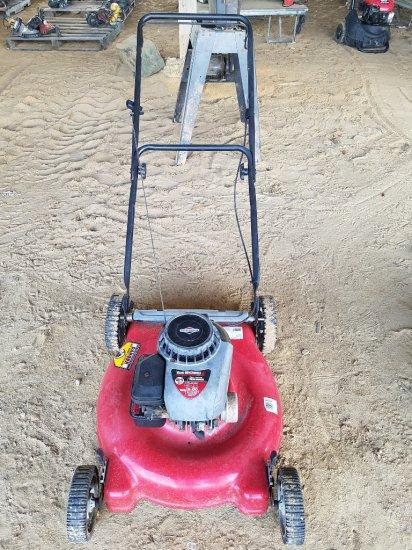 """Yard Machine 21"""" Pushmower RUNS"""