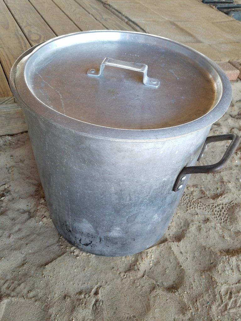 Alumunin Pot W/ Lid