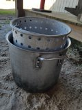 Small Alumunin Pot W/ Basket